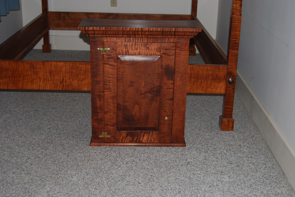 Tiger Maple Hanging Wall Cabinet. «
